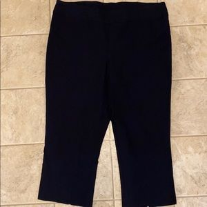 Tribal brand pull on capris size 16 navy